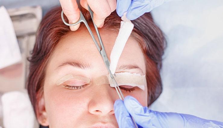 دوران نقاهت در جراحی افتادگی پلک چگونه است