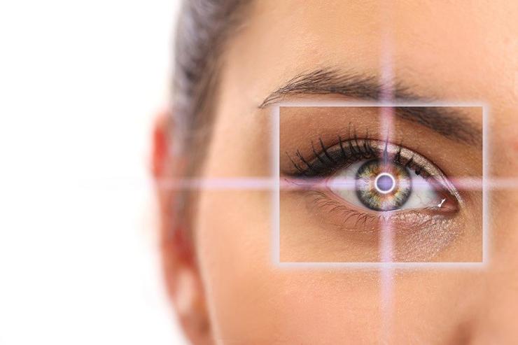 عوارض لیزیک چشم و کاهش عوارض آن با انتخاب پزشک با تجربه